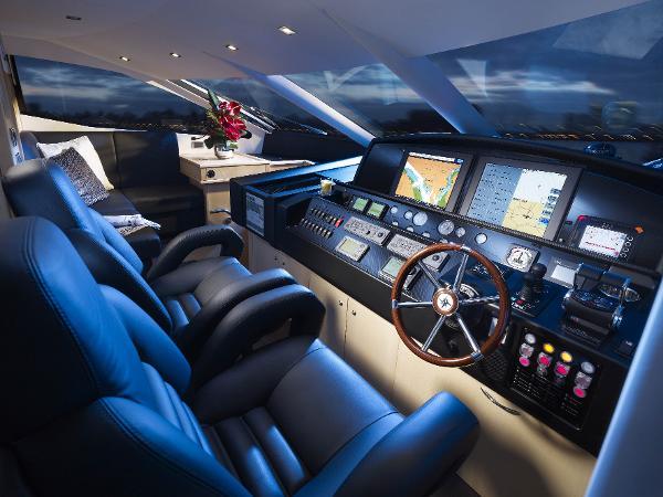 Sunseeker 88 Yacht Helm