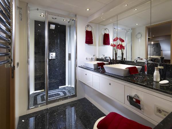 Sunseeker 88 Yacht Bathroom