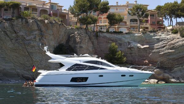 Sunseeker Mahattan 53 Side View
