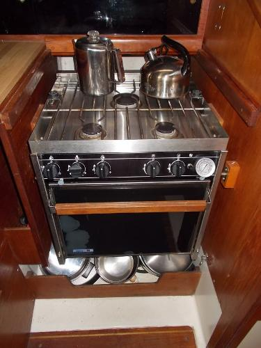 Force 10 LPG 3 Burner Plus Oven