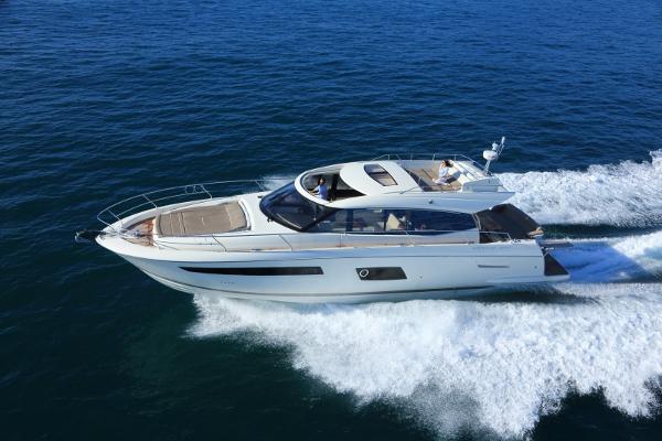 Prestige Yachts 550S