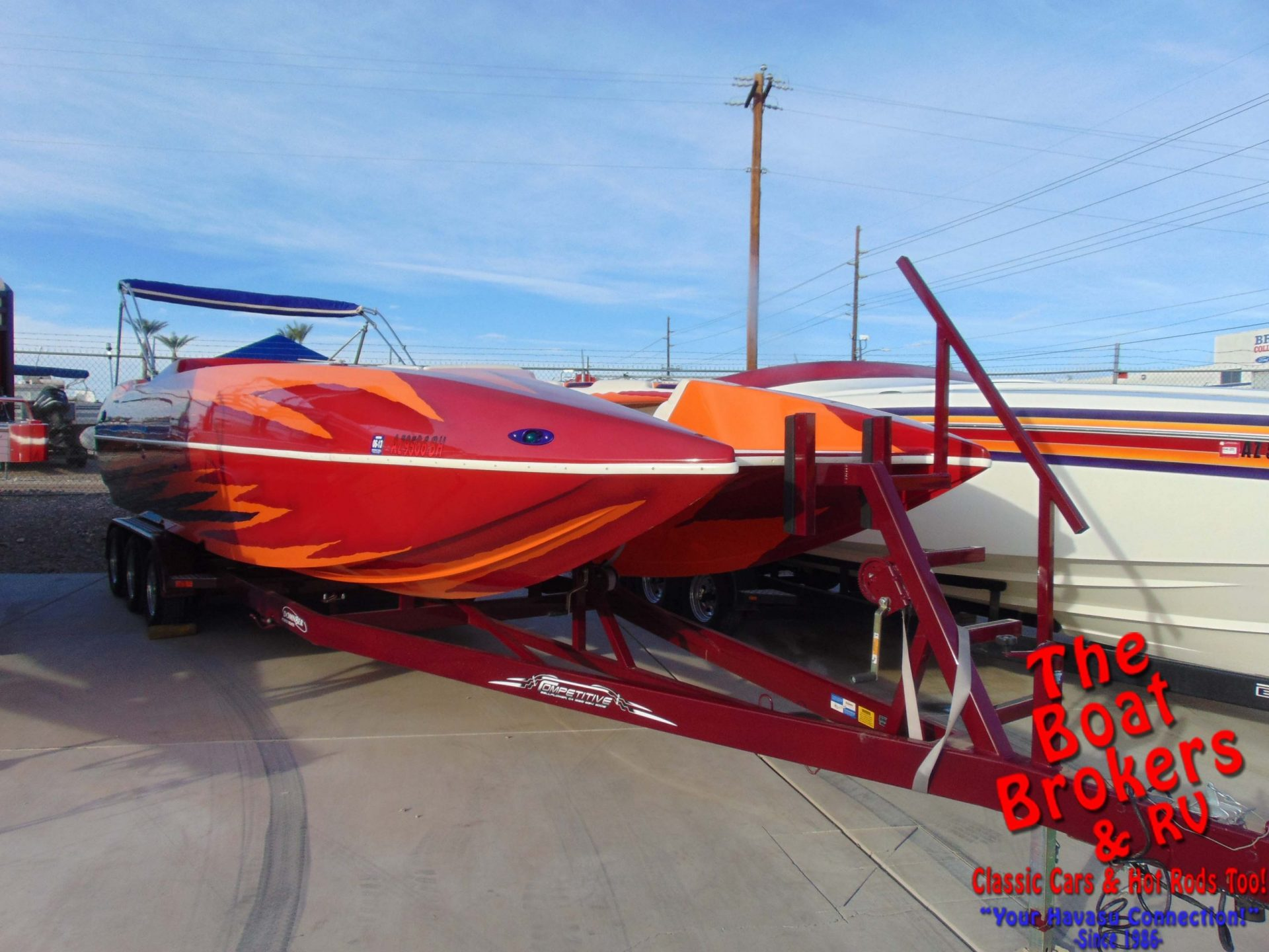 domn8tor Deck Boat