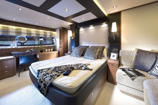 Sunseeker Manhattan 73 Owner's Stateroom
