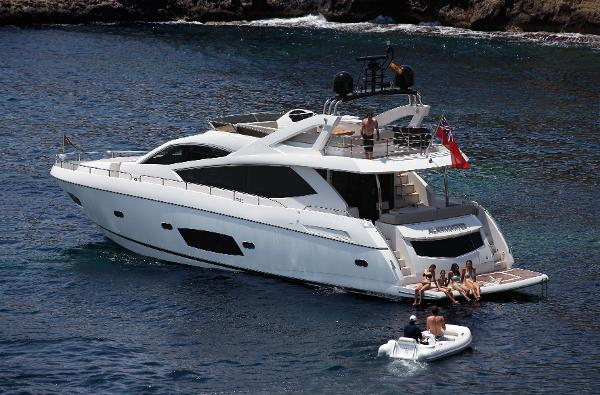 Sunseeker Manhattan 73 Stern
