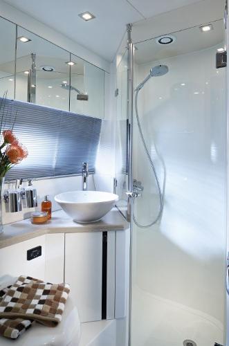 Thumbnail Sunseeker Portofino 40 Bathroom