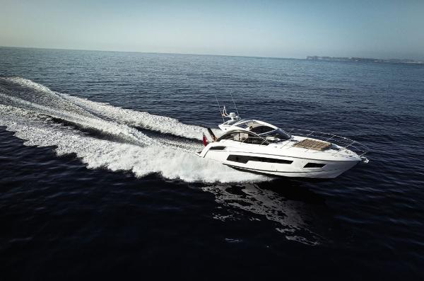 Thumbnail Sunseeker Portofino 40 Running Shot