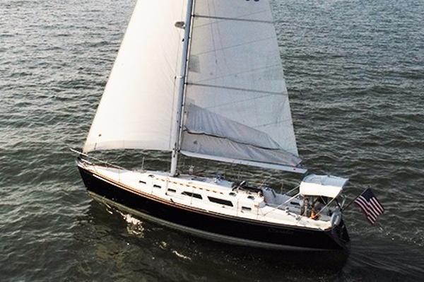 Sabre 402 Profile