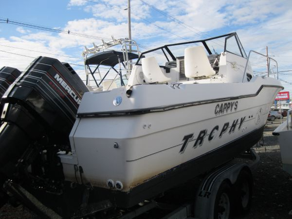 Bayliner 2503 Trophy WA Bayliner Trophy 2502 Walk around