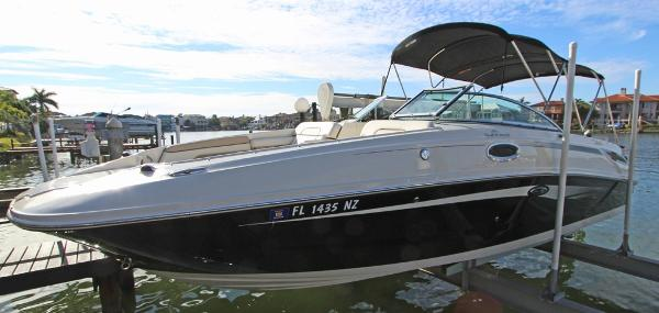 Sea Ray 280 Sundeck Always Lift Kept/No Bottom Paint
