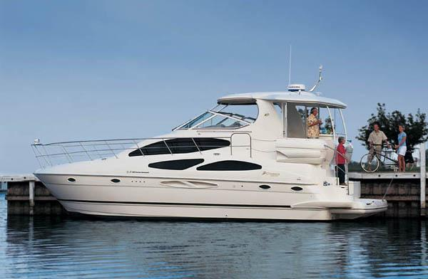 Cruisers 405 Express Motoryacht Manufacturer Provided Image