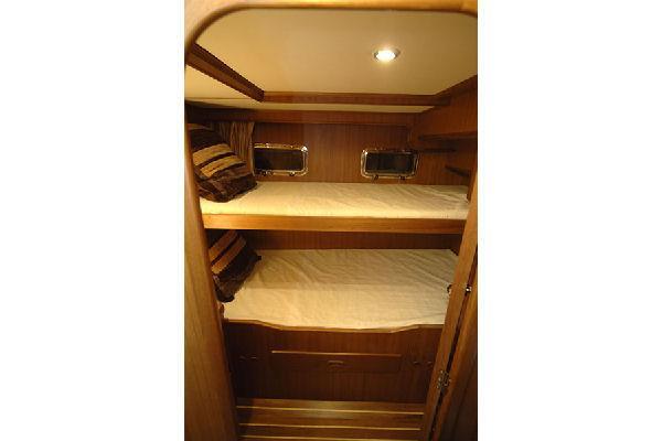 Adagio 48 Europa Twin Cabin