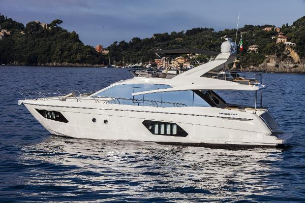Absolute 60 Fly Port Side