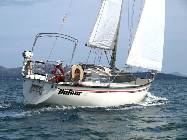 Dufour 2800 At sea