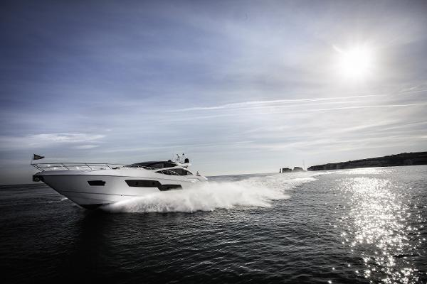 Sunseeker Predator 80 Running Shot