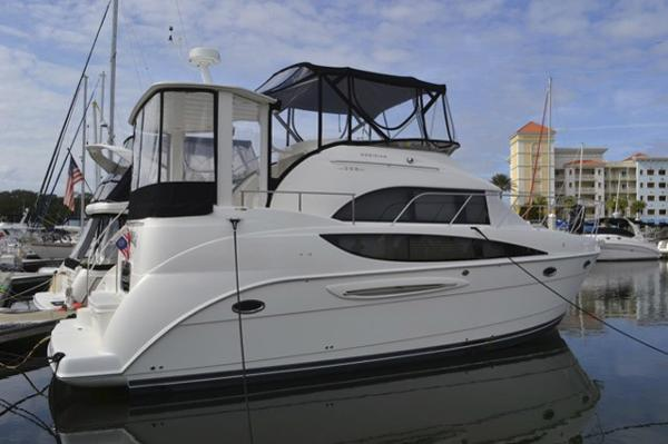 Meridian 368 Aft Cabin Motoryacht