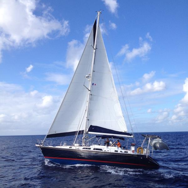 Hylas 51 Cutter Rig Sloop Under Sail