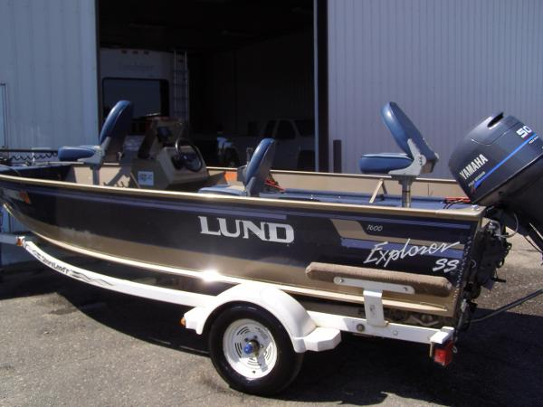 Used power boats sports fishing boats for sale in for Used fishing boats for sale mn