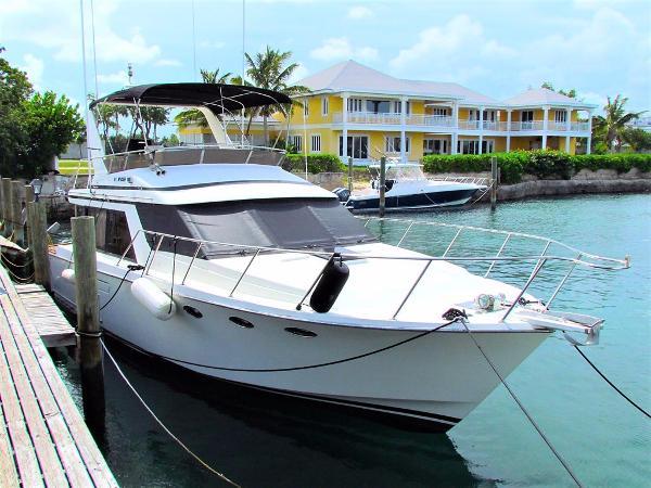 Ocean Alexander Sedan Profile