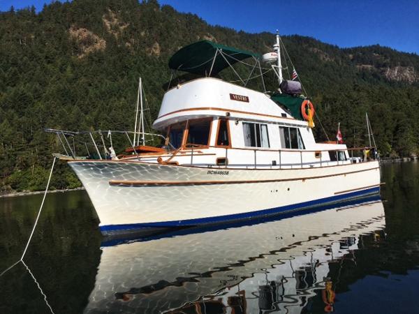 CHB 34 Aft Cabin Trawler