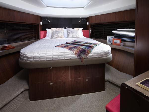 Princess Flybridge 72 Motor Yacht Forward Cabin