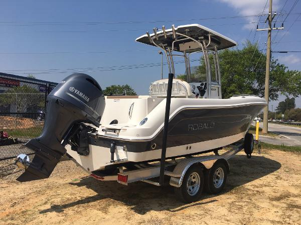 Robalo 222 ES Center Console 2017-ROBALO-222ES-EXTRA-SEATING-BOWRIDER-CENTER-CONSOLE-FOR-SALE