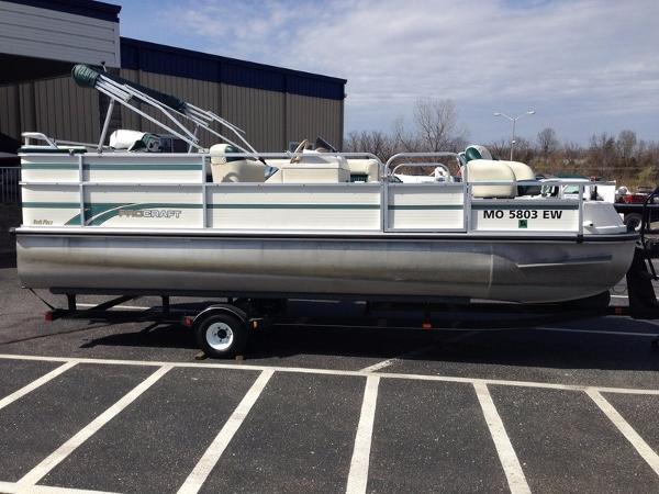 Landau Boat Co Pro-Craft M20