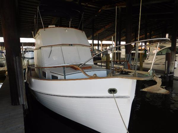 Grand Banks Classic Sedan Trawler 32' 1973 Grand Banks