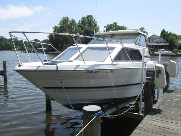 Bayliner 2452 Ciera Port Bow
