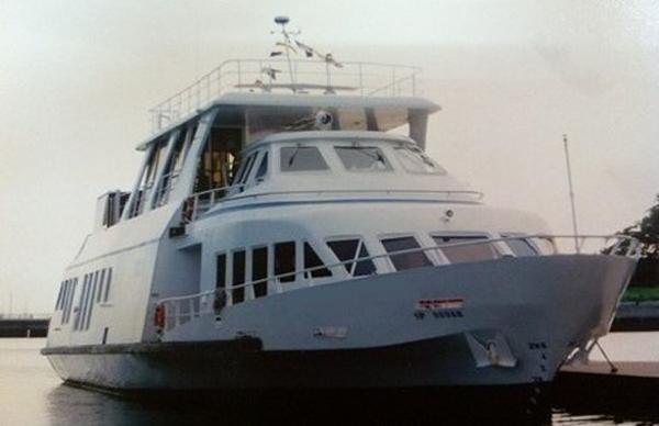 Custom Sightseeing / Passenger Ship commercial Custom Sightseeing / Passenger Ship commercia