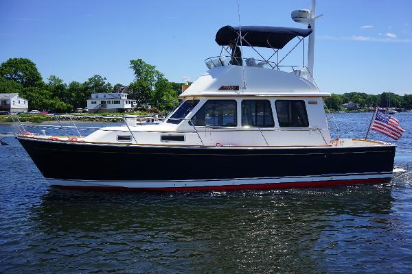 Sabre 36 Flybridge Sedan Listing Photo