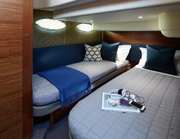 Princess Flybridge 43 Motor Yacht Guest Cabin