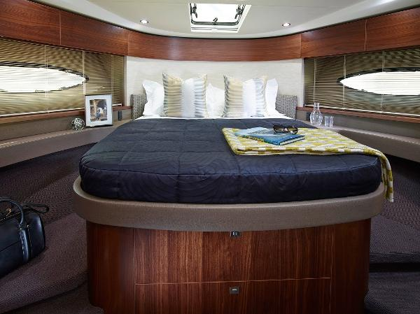 Princess Flybridge 43 Motor Yacht Owners Cabin