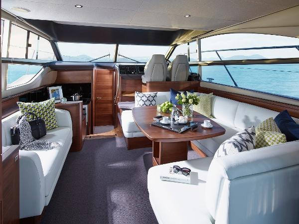 Princess Flybridge 43 Motor Yacht Saloon