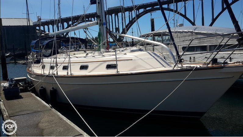 Island Packet 380 2001 Island Packet 380 for sale in Newport, OR