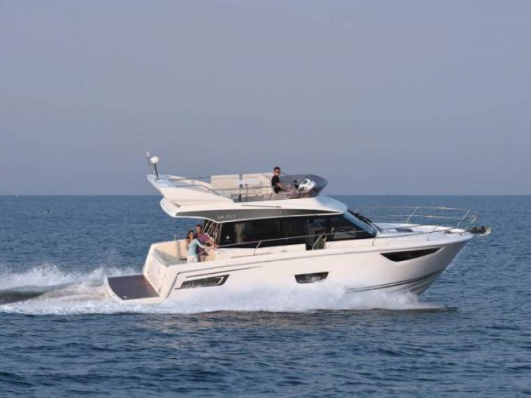 Jeanneau  Merry Fisher 38 FLY inboard