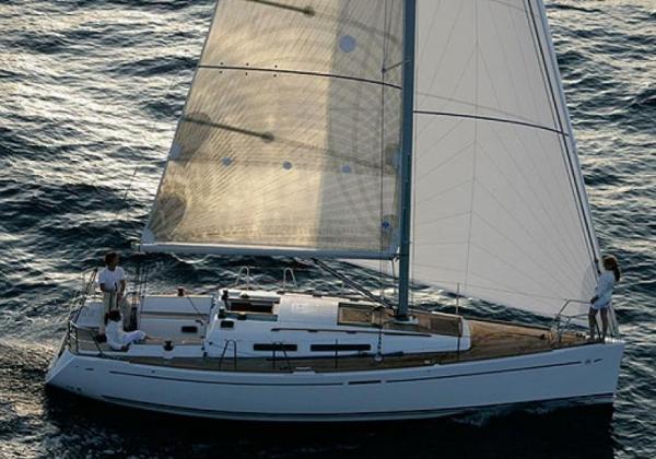 Dufour 34 Performance 465e5ab51f6fa7ffb990f98afb9fe654