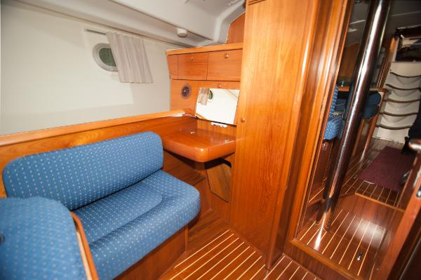 Sette in forward guest cabin