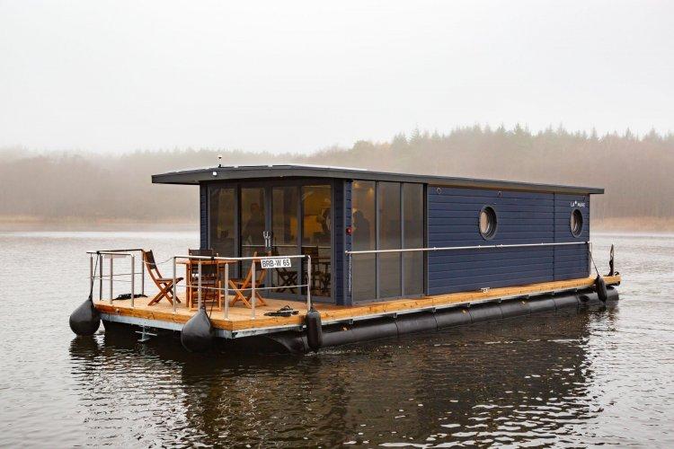 La Mare Houseboat Apartboat EL