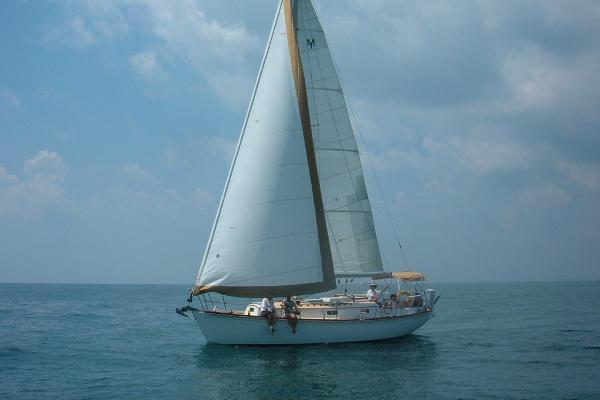 Morris Ocean Series 32