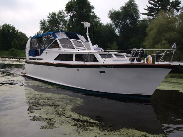 Custom Trawler Yacht