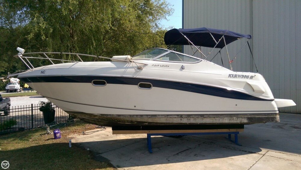 Four Winns 268 Vista Cruiser 2000 Four Winns 268 Vista Cruiser for sale in Littleton, NC