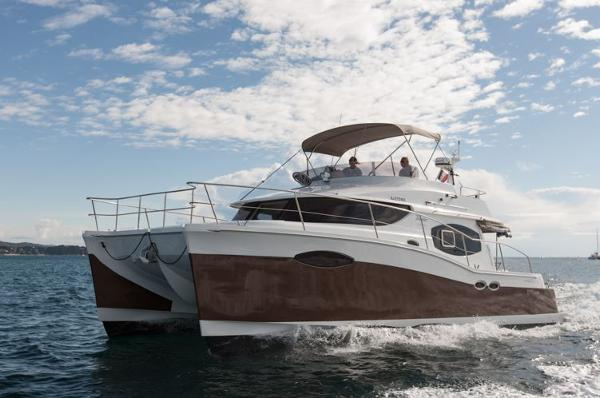 Fountaine Pajot Summerland 40 Grand Large Side Shot