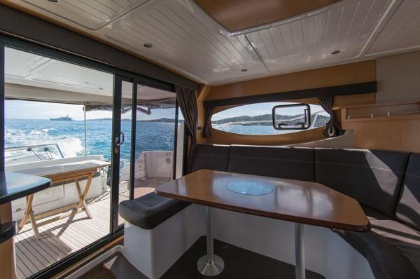 Fountaine Pajot Summerland 40 Grand Large Saloon