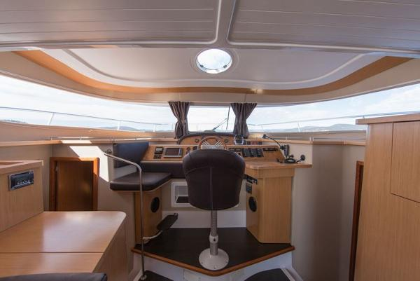 Fountaine Pajot Summerland 40 Grand Large Helm