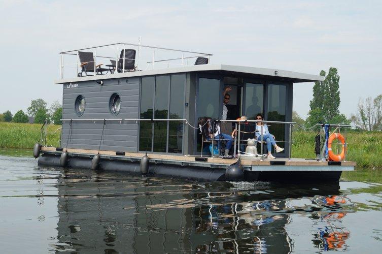 La Mare Houseboat Apartboat L
