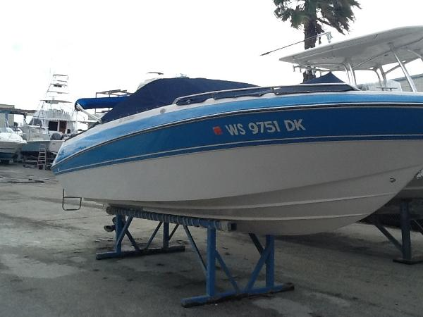 Four Winns 220 Horizon