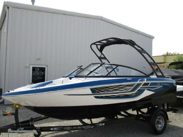 Regal 1900 ESX Surf Bowrider