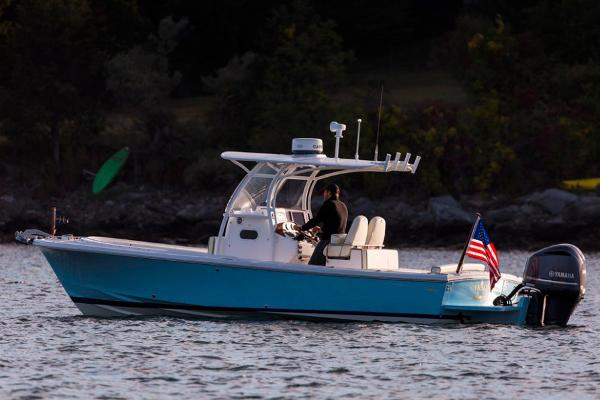 Hunt Yachts Center Console 26