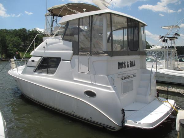 Silverton 352 Motor Yacht Port View