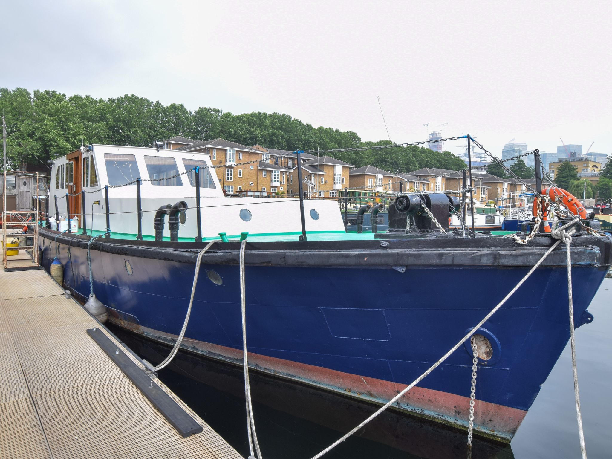 Converted Fire Boat 19m with London mooring